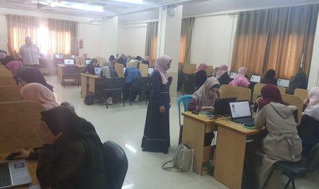 مركز التميز والتعليم الإلكتروني ينهي الامتحانات المحوسبة النصفية للفصل الأول 2019-2020